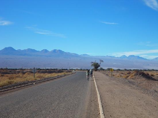 Awasi Atacama - Relais & Chateaux: balade en vélo jusqu'au lac salé