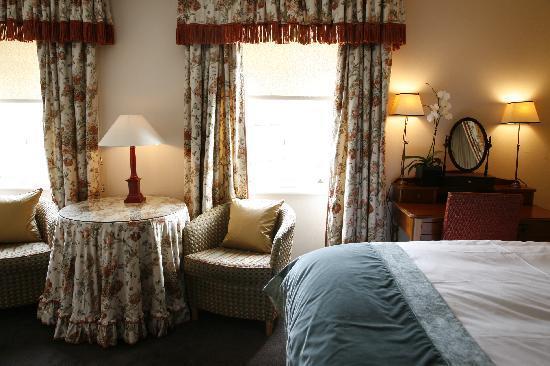 Searcy's Roof Garden Rooms : En Suite Double Bedroom