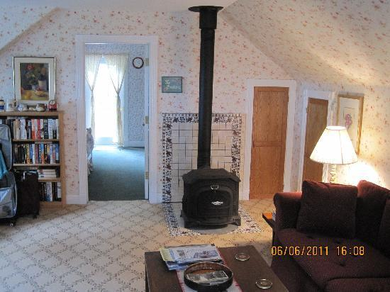 Ye Olde Danish Inn: Living Room & Stove