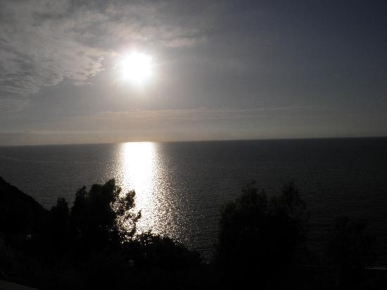 Gioiosa Marea, Italia: TRAMONTO VISTO DALLA CAMERA!!!