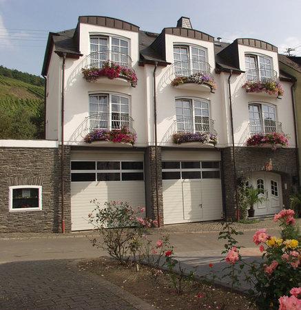 Lieser, Alemanha: Hubertushof House