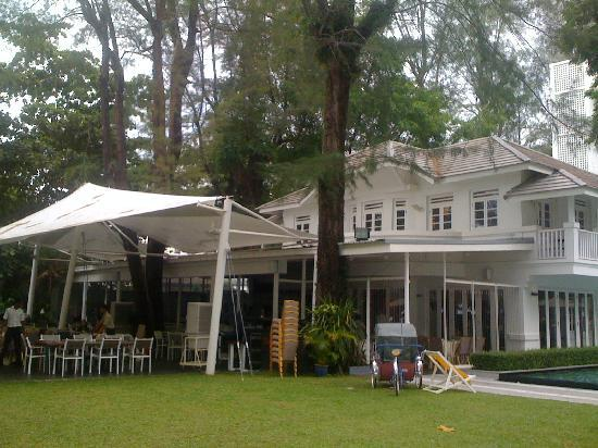 Lone Pine Hotel: The Bungalow