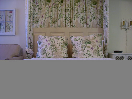 Castlegate Bed & Breakfast Inn: Room with queen bed