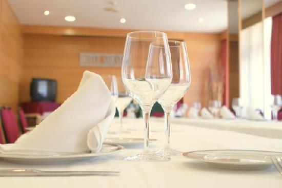 Hotel Unzaga Plaza : restaurante hotel arrate