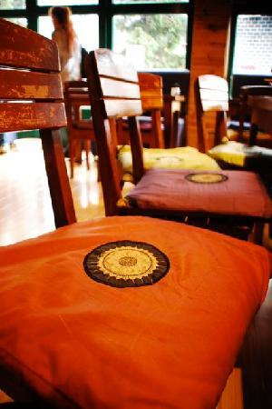 Noah Cafe & Inn : Welcoming and Cozy Ambience