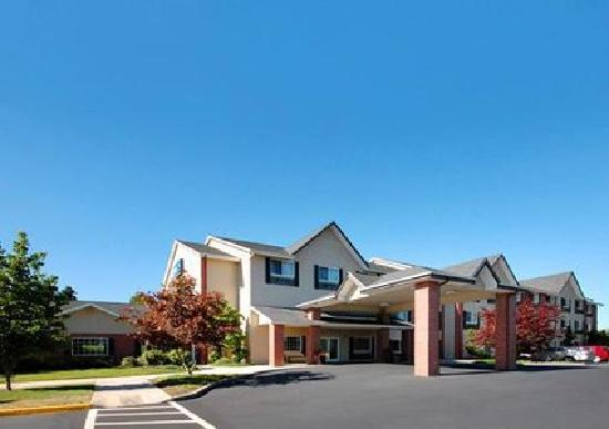 Comfort Inn and Suites Tualatin - Portland South: Award winning property boasts Platinum and Gold awards