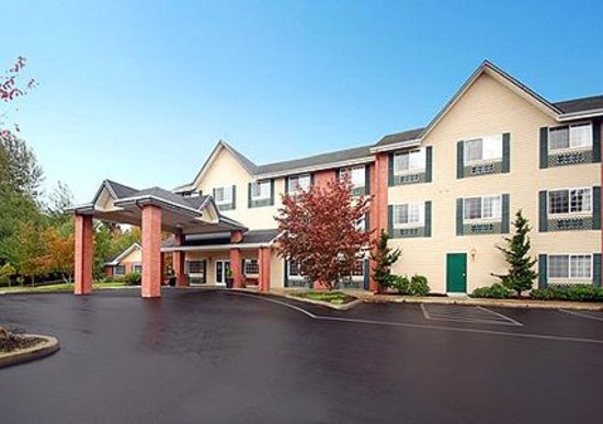 Comfort Inn & Suites Tualatin - Portland South: 59 Room hotel in the heart of Tualatin's business district