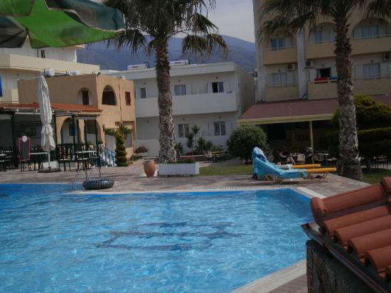 Phaedra Beach Hotel: veiw from beach wall of pool