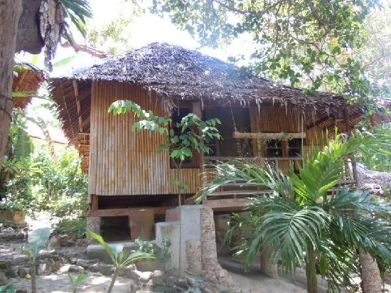Chunut House: Other Bungalows Look Like This