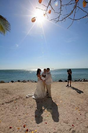 Fort Zachary Taylor Historic State Park: Site R2 for Weddings. STUNNING!