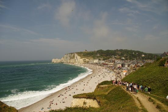 Etretat, Frankrike: le large chemin d'accés