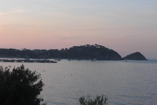 Hotel Ginevra: tramonto a Cavo