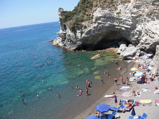 Hotel Lumihe: the beach