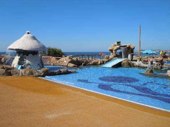 Holiday Village: Wave pool and slide