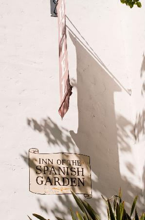 Spanish Garden Inn: The Inn from Garden Street