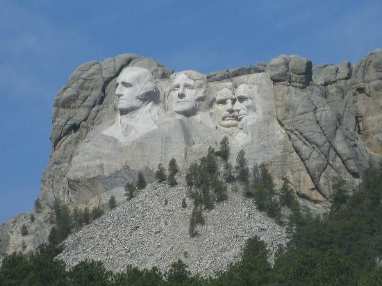 Mount Rushmore National Memorial: Approaching Mt. Rushmore