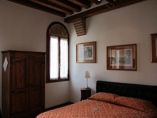 Ca Santo Spirito: hotel room