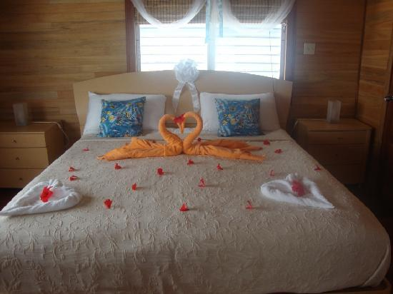 Royal Palm Island Resort : Room decorated for honeymoon