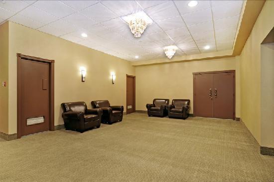 Days Inn - Calgary South: Foyer