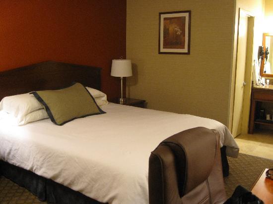 Motel 6 La Mesa CA: king size bed