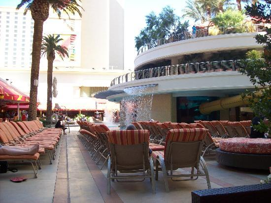 Golden Nugget Hotel: Pool area