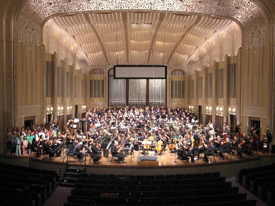 Cleveland Orchestra at Severance Hall: the Cleveland Orchestra and Chorus in the main hall