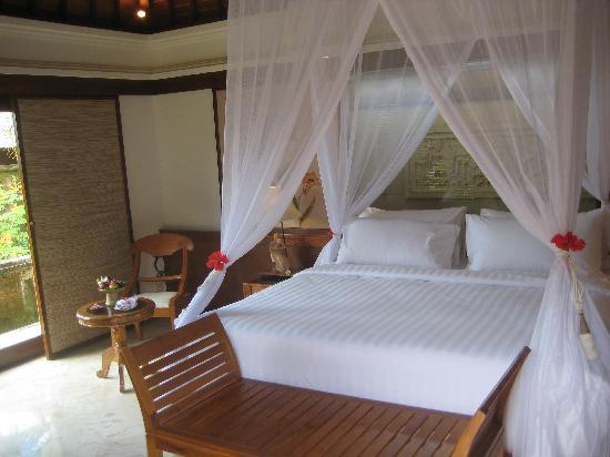 Sekar Nusa Villas: our room
