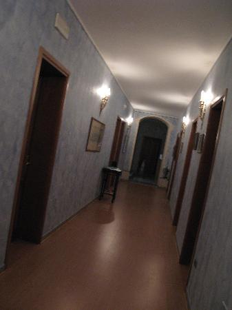 La Notte Blu: Corridor