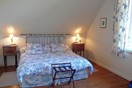 MANOIR LES PERDRIX : Chambre Etretat 1 ou 2 lits - très belle vue sur la campagne jusqu'à Verneuil
