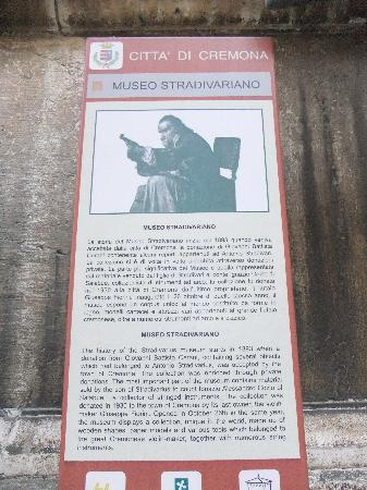 Cremona, Italy: コメントを入力してください (必須)
