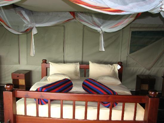 Losirwa Camp: Roomy bed with special pillows