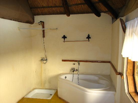 Losirwa Camp : Bath/shower area