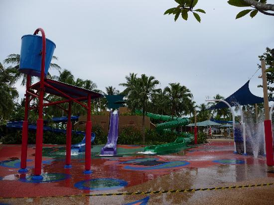 Shangri-La's Tanjung Aru Resort & Spa: Great kids pool area