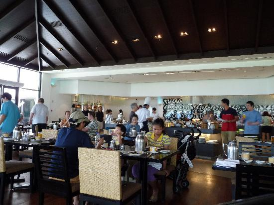 Shangri-La's Tanjung Aru Resort & Spa: Tatu buffet breakfast
