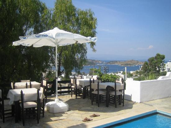Panorama Hotel Bodrum: view to breakfast and dining outside