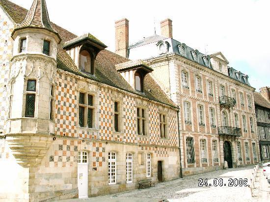 MANOIR LES PERDRIX : Verneuil sur Avre - trésor caché du Sud de la Normandie