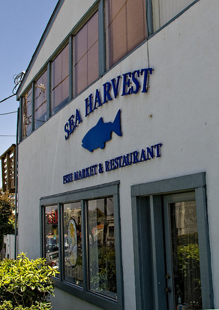 Sea Harvest Fish Market & Restaurant