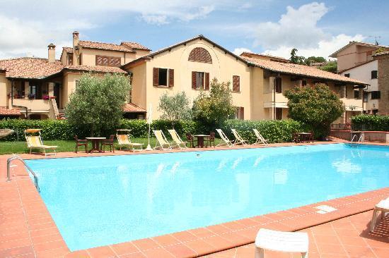 Hotel Villa Nencini: Piscina