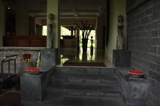 Hotel Puri Bambu: the hotel's lobby