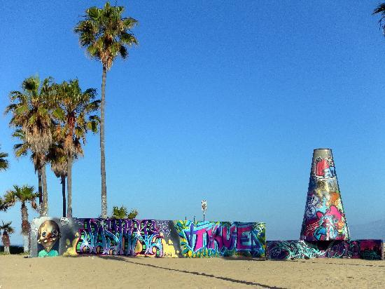 Venice Beach House: The path close by the VBH will take you to some interesting sights.