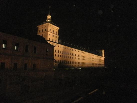 Hotel Posada Don Jaime : De noche