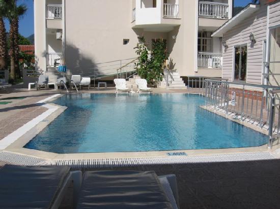 Ercanhan Hotel: quick dip