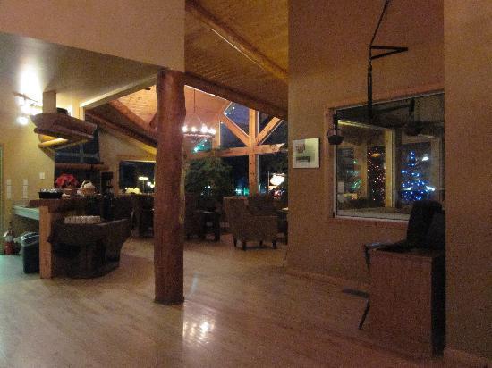 Canmore Rocky Mountain Inn: Lobby