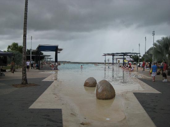 Cairns Esplanade Swimming Lagoon: Looking towards the bay from the shallow end