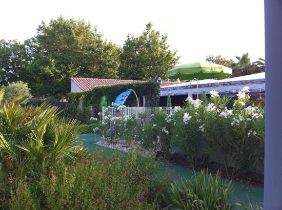 The terrace of studio 5 picture of le jardin de for Cap d agde jardin d eden