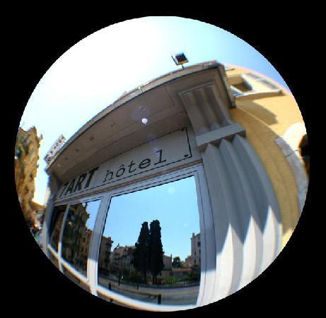 Hotel 7 Art: Façade de l'Hôtel 7Art Cannes