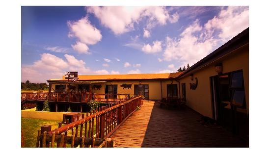 MoAfrika Lodge : deck view