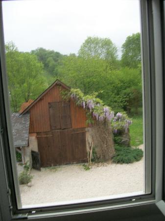 """Chambres d'hotes et Gite rural Miragou : Vue de la chambre """"Mer"""". Il manque l'odeur."""