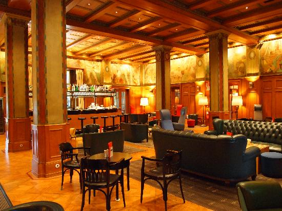 Parkhotel Laurin: Bar