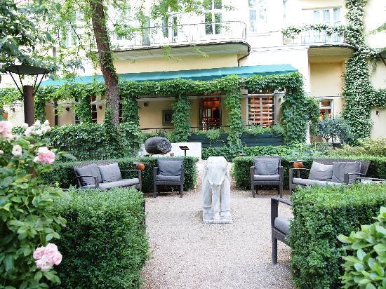 Parkhotel Laurin: Terrasse